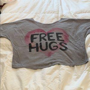Tops - Free hugs crop top